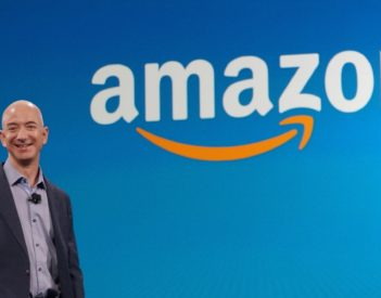 Amazon : Jeff Bezos quitte son poste, la firme réalise une année 2020 record