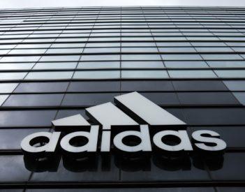 Adidas, l'équipementier allemand en pleine forme malgré les critiques