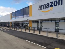 Le géant Amazon renforce ses effectifs en prévision de la fin d'année