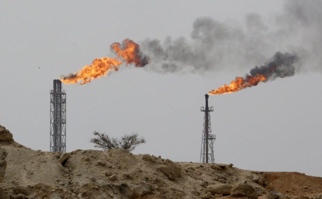 Le pétrole continue de grimper : intérêts et risques pour l'OPEP+